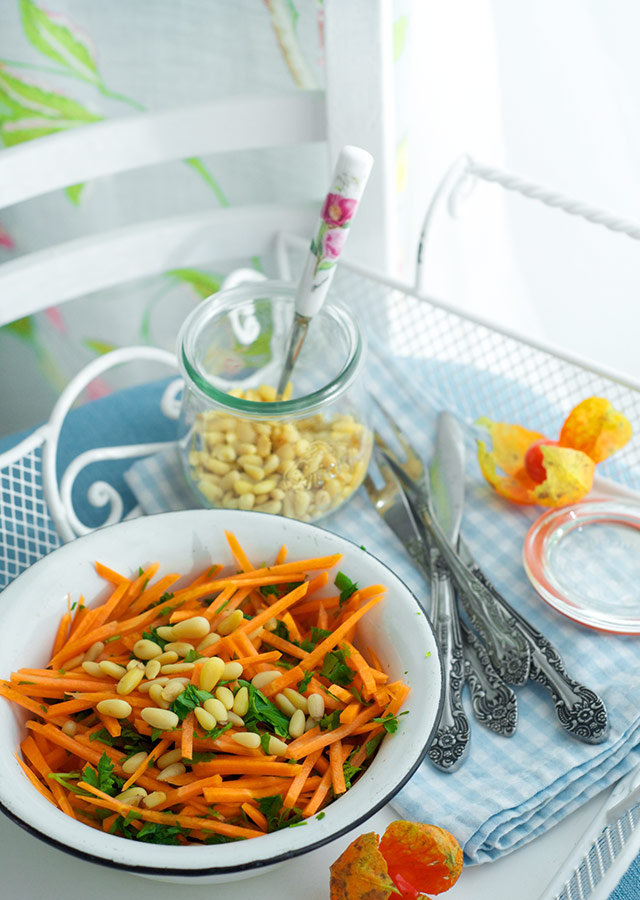carrots-parsley-salad